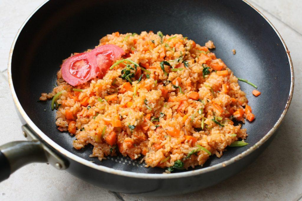 ryż na patelni