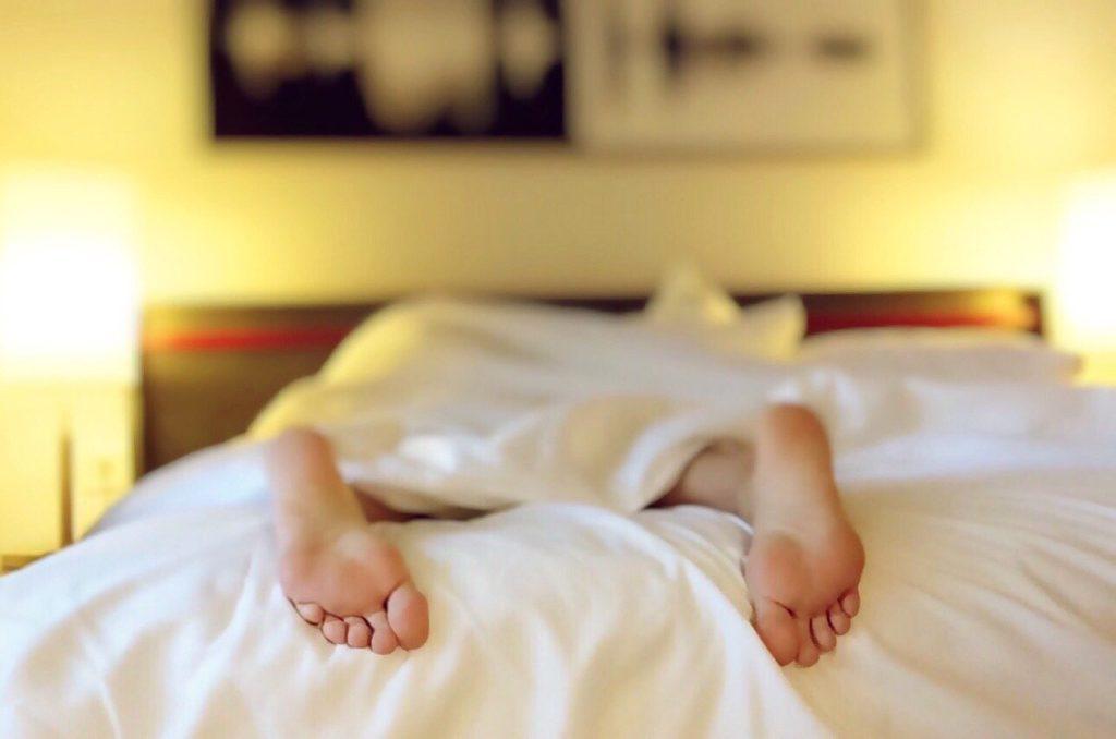 łóżko - kac gigant